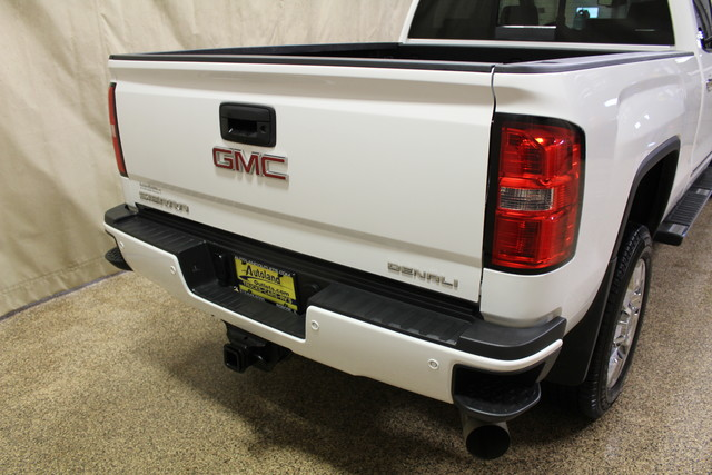 2015 GMC Sierra 2500HD available WiFi Denali Roscoe, Illinois 8