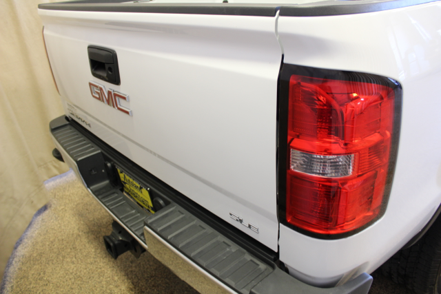 2015 GMC Sierra 2500HD Long Box SLE Roscoe, Illinois 4