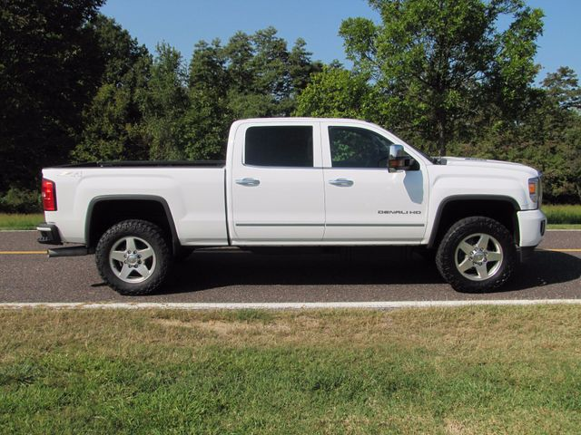 2015 GMC Sierra 2500HD available WiFi Denali St. Louis, Missouri 1