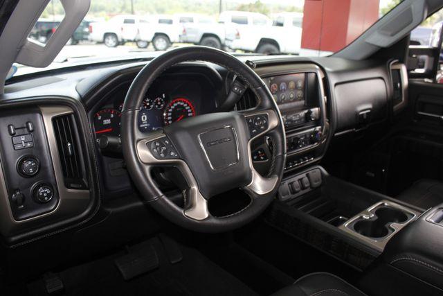2015 GMC Sierra 3500HD  Denali Crew Cab DRW Long Bed 4x4 - DURAMAX PLUS! Mooresville , NC 31
