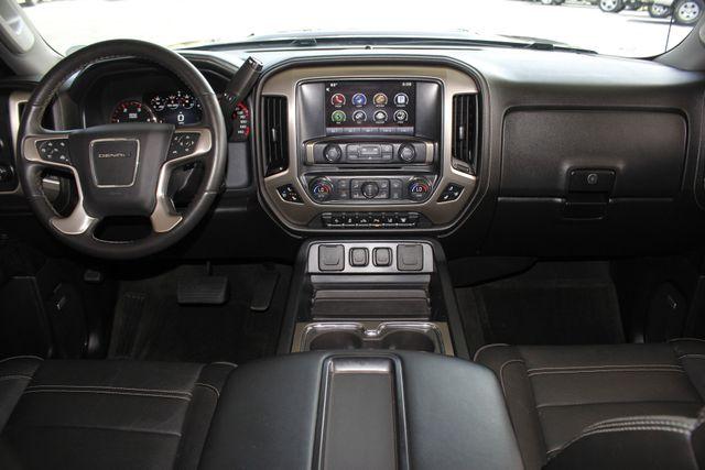 2015 GMC Sierra 3500HD  Denali Crew Cab DRW Long Bed 4x4 - DURAMAX PLUS! Mooresville , NC 30