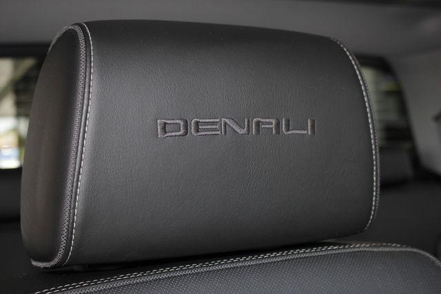 2015 GMC Sierra 3500HD  Denali Crew Cab DRW Long Bed 4x4 - DURAMAX PLUS! Mooresville , NC 32