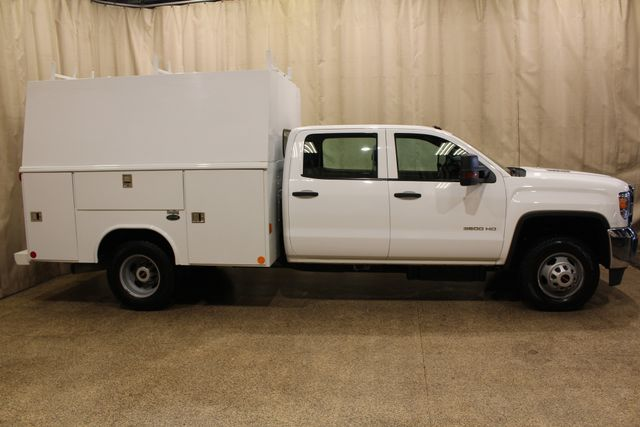 2015 GMC Sierra 3500HD  Utility box Roscoe, Illinois 1