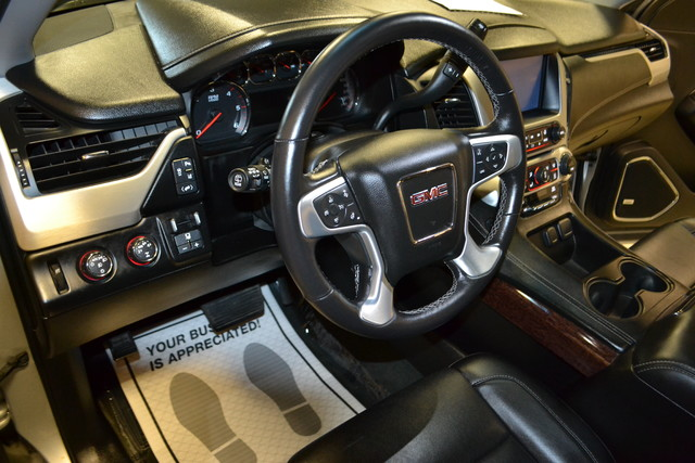 2015 GMC Yukon XL SLT Roscoe, Illinois 13