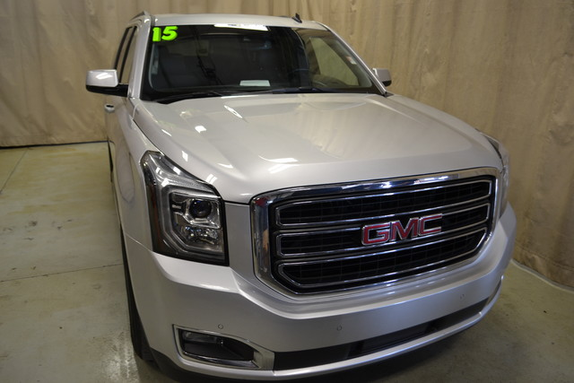 2015 GMC Yukon XL SLT Roscoe, Illinois 3