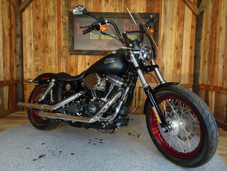 2015 Harley-Davidson Dyna® Street Bob FXDB Anaheim, California 24