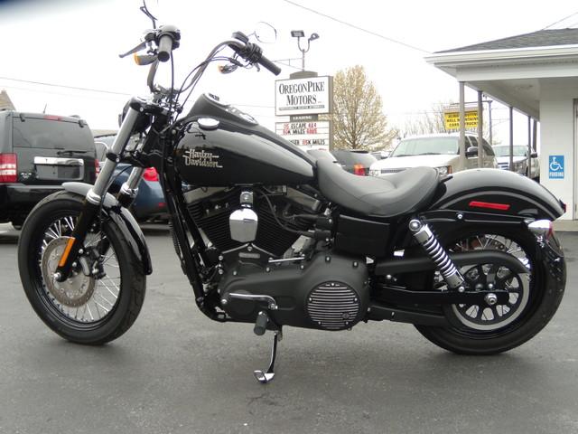 2015 Harley-Davidson Dyna® Street Bob® Ephrata, PA 5