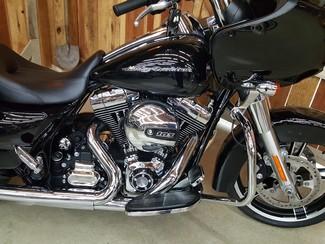2015 Harley-Davidson Road Glide® Anaheim, California 7