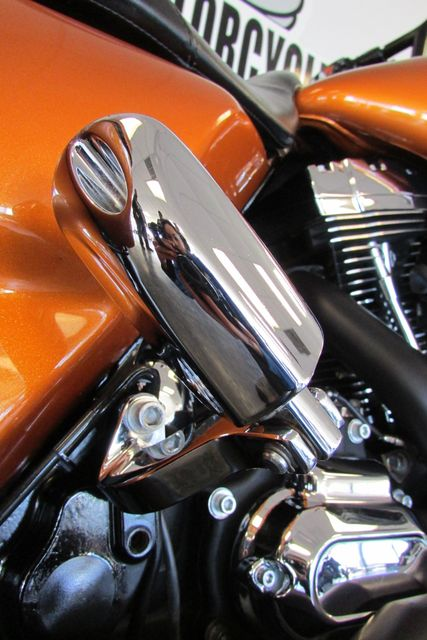 2015 Harley-Davidson Road Glide® Base Arlington, Texas 16