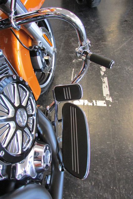 2015 Harley-Davidson Road Glide® Base Arlington, Texas 19