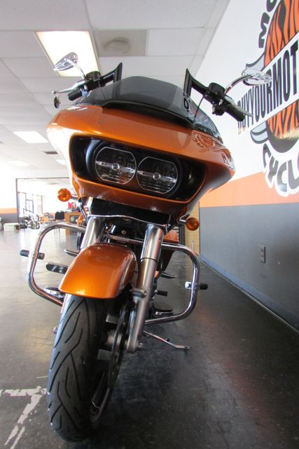 2015 Harley-Davidson Road Glide® Base Arlington, Texas 3