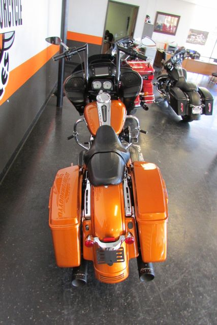 2015 Harley-Davidson Road Glide® Base Arlington, Texas 9