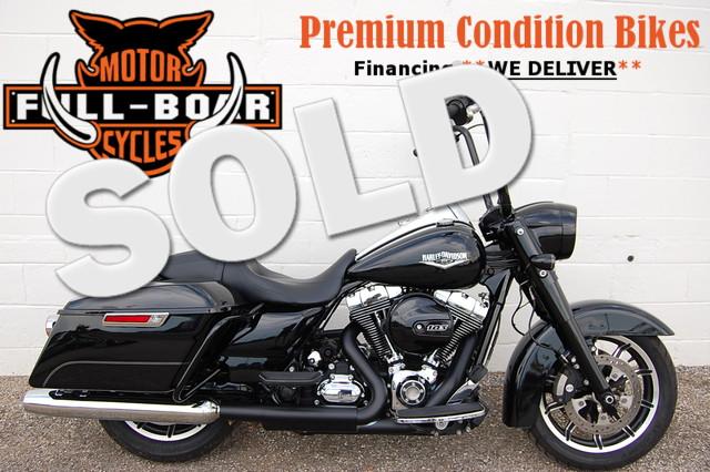 2015 Harley Davidson ROAD KING FLHR in Hurst TX