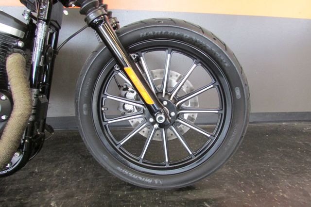 2015 Harley-Davidson Sportster® Iron 883™ Arlington, Texas 6