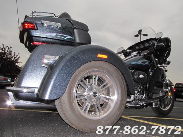 2015 Harley-Davidson TRI-GLIDE ULTRA FLHTCUTG TRIKE TRIGLIDE ULTRA TRIKE McHenry, Illinois 7