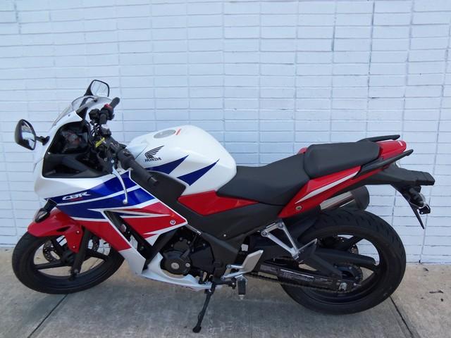 2015 Honda CBR® 300R Daytona Beach, FL 1