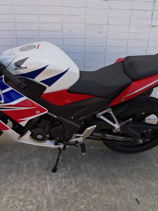 2015 Honda CBR® 300R Daytona Beach, FL 9