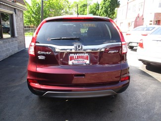 2015 Honda CR-V LX Milwaukee, Wisconsin 4