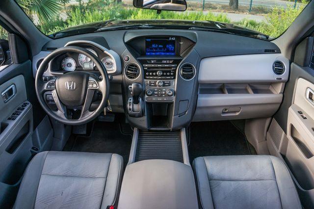 2015 Honda Pilot LX Reseda, CA 16