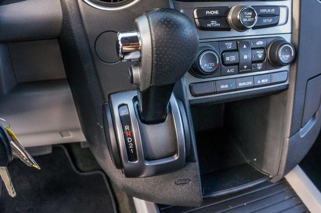 2015 Honda Pilot LX Reseda, CA 26