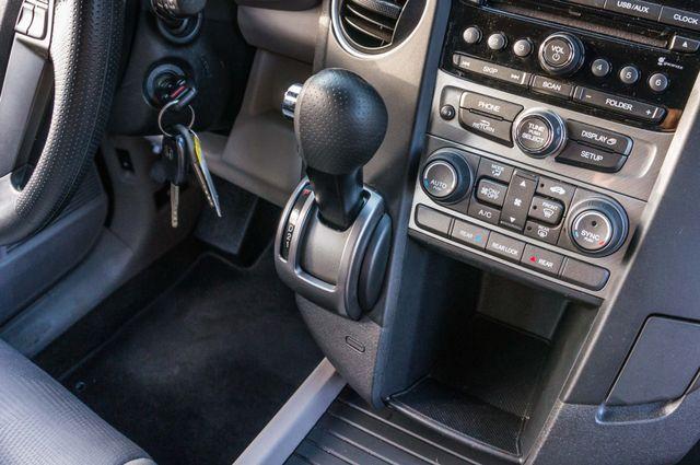 2015 Honda Pilot LX Reseda, CA 25