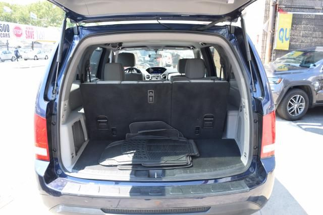 2015 Honda Pilot LX Richmond Hill, New York 4