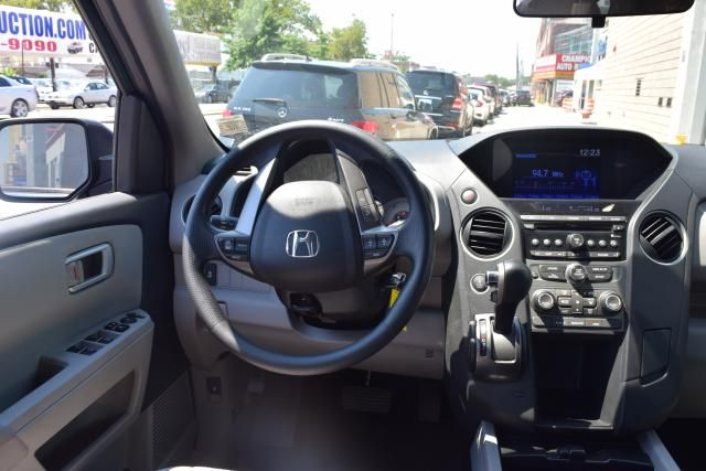 2015 Honda Pilot LX Richmond Hill, New York 9