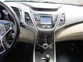 2015 Hyundai Elantra Limited Farmington, Minnesota 4