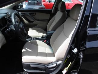 2015 Hyundai Elantra SE Milwaukee, Wisconsin 7