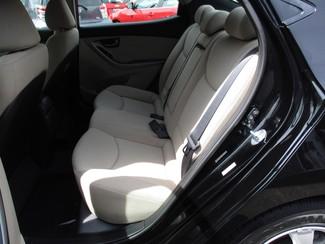 2015 Hyundai Elantra SE Milwaukee, Wisconsin 10