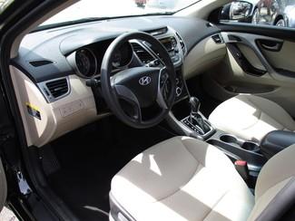 2015 Hyundai Elantra SE Milwaukee, Wisconsin 6