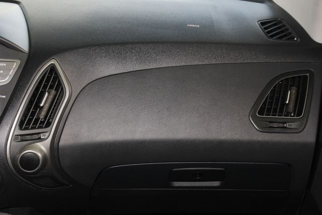 2015 Hyundai Tucson SE AWD - HEATED SEATS! Mooresville , NC 6