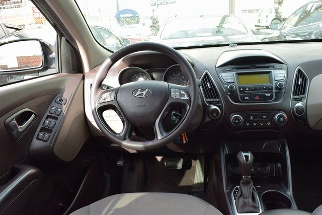 2015 Hyundai Tucson GLS Richmond Hill, New York 12