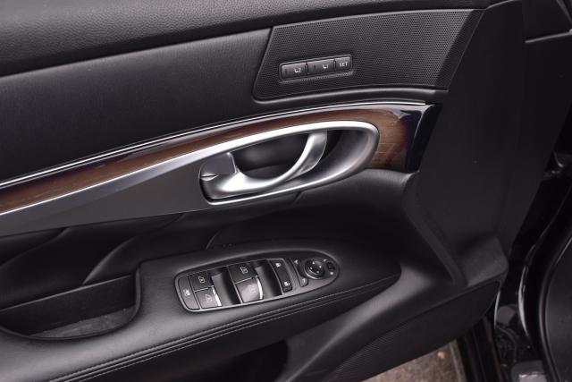 2015 Infiniti Q70L 4dr Sdn V6 AWD Richmond Hill, New York 13