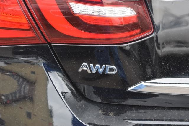2015 Infiniti Q70L 4dr Sdn V6 AWD Richmond Hill, New York 5