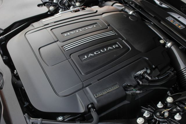 2015 Jaguar F-TYPE V8 S RWD - PERFORMANCE & PREMIUM PKGS! Mooresville , NC 42