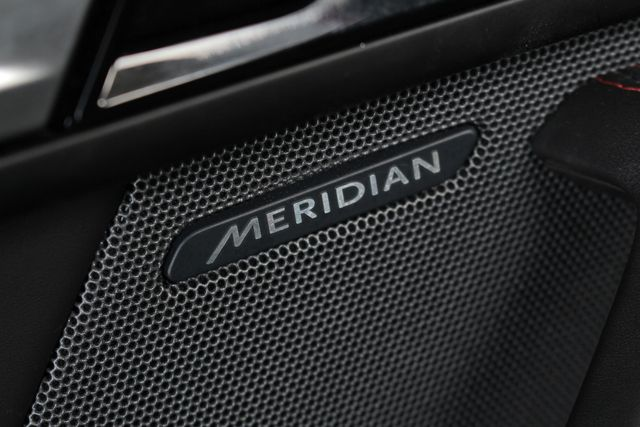 2015 Jaguar F-TYPE V8 S RWD - PERFORMANCE & PREMIUM PKGS! Mooresville , NC 48