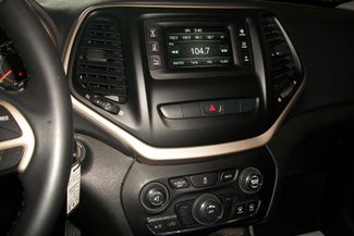 2015 Jeep Cherokee 4WD Latitude Bentleyville, Pennsylvania 8