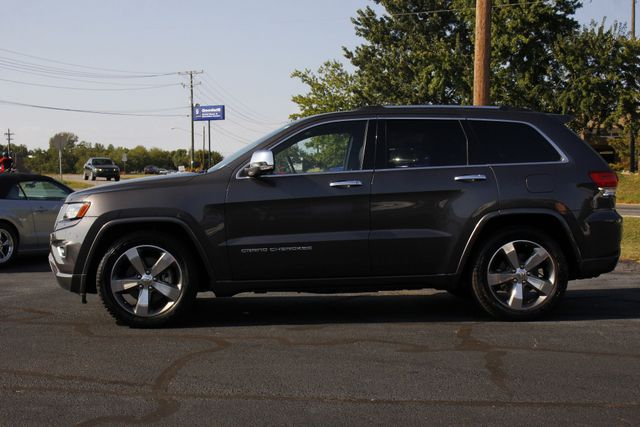2015 Jeep Grand Cherokee Overland 4WD - V8 - ADVANCED TECHNOLOGY GROUP! Mooresville , NC 17