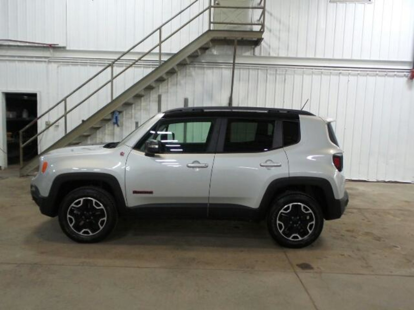 2015 jeep renegade trailhawk. Black Bedroom Furniture Sets. Home Design Ideas