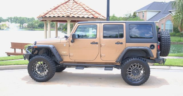 2015 Jeep Wrangler Unlimited Sahara Custom Houston, Texas 2