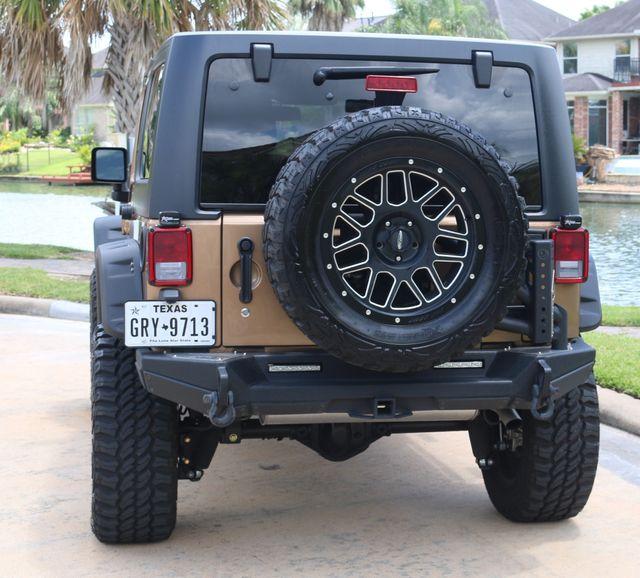 2015 Jeep Wrangler Unlimited Sahara Custom Houston, Texas 3