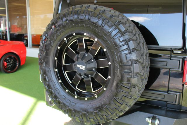 2015 Jeep Wrangler Unlimited Sahara 4x4 - LIFTED - $6K IN EXTRA$! Mooresville , NC 39