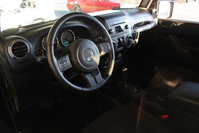 2015 Jeep Wrangler Unlimited Sport 4X4 - ROCKY RIDGE PHANTOM EDITION! Mooresville , NC 40