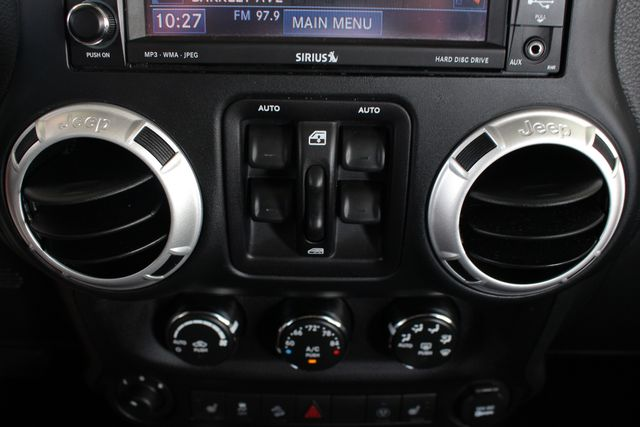 2015 Jeep Wrangler Unlimited Rubicon 4x4 - NAV - HEATED LEATHER - WHEELS! Mooresville , NC 37