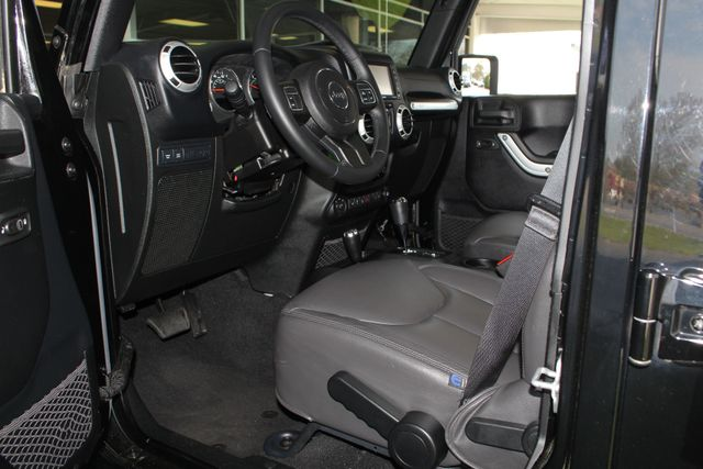 2015 Jeep Wrangler Unlimited Rubicon 4x4 - NAV - HEATED LEATHER - WHEELS! Mooresville , NC 31