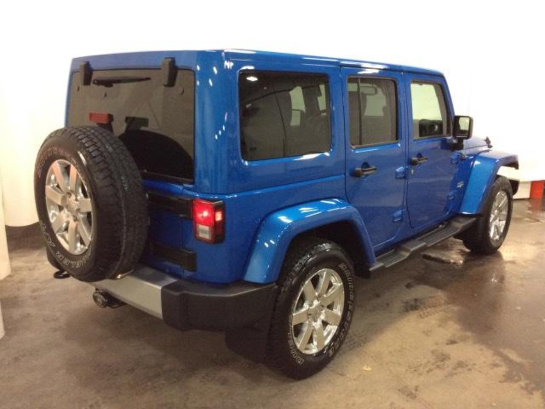 2015 jeep wrangler unlimited sahara. Black Bedroom Furniture Sets. Home Design Ideas