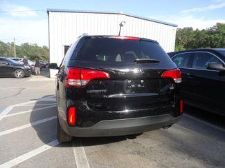 2015 Kia Sorento LX. LEATHER. CAMERA. HTD SEATS. UVO SEFFNER, Florida 9