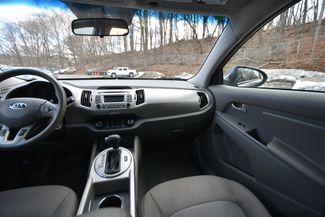 2015 Kia Sportage LX Naugatuck, Connecticut 13