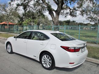 2015 Lexus ES 300h Hybrid Miami, Florida 3